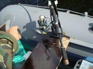 Тримачі для спінінга при лові з човна і суші своїми руками