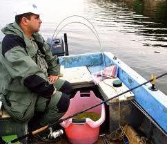 Лов фідера з човна (р. Десна, дніпро)