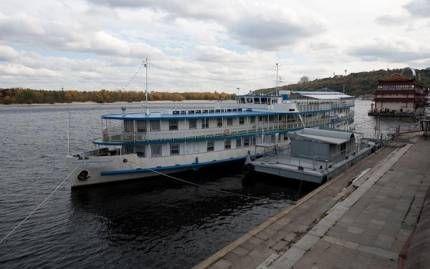 Готелі на воді