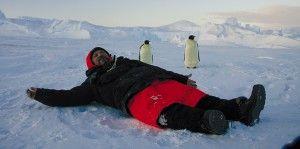 Дослідники в антарктиді займаються активною риболовлею
