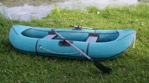 Гумовий човен для риболовлі