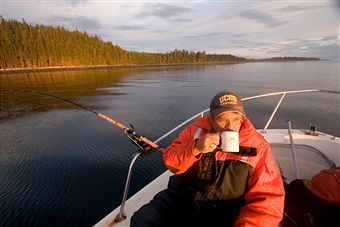 Кому на воді жити добре. Чергове роздум про життя рибалок на воді.