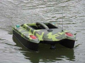 Кораблик для завезення прикормки відео