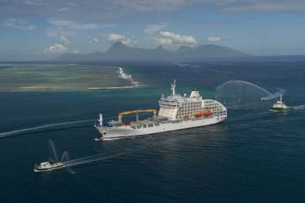 Круті кораблі - вантажопасажирський контейнеровоз «aranui 5»