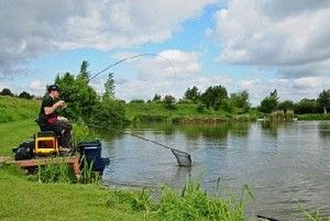 На Сумщині пройшли змагання з ловлі риби фідером заїзд учасників