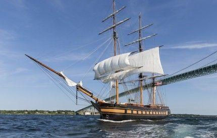 Новітній американський корабель
