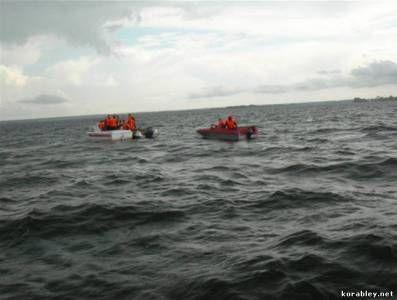 Тривають пошуки пасажирів затонулого теплохода «булгарія»