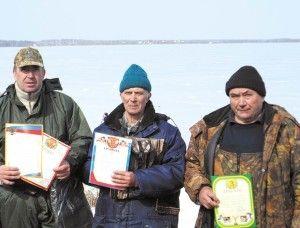 Рибалки підмосков`я зустрілися на озері сенеж