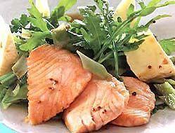 Салат з лосося з сиром