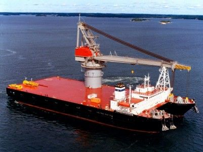 Найбільший катамаран в світі - плавучий кран титан 2