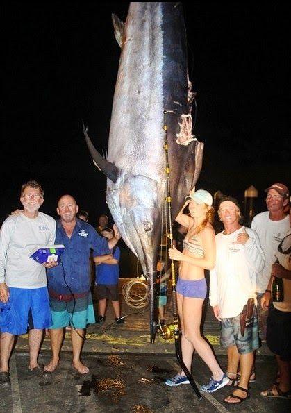 Трофеї та рекорди грудневої риболовлі IGFA фото марліну