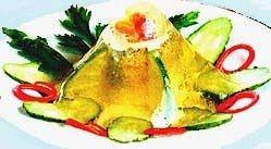 Заливний з овочами судак