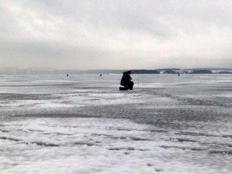 Зимова риболовля в краю лісів, озер і річок